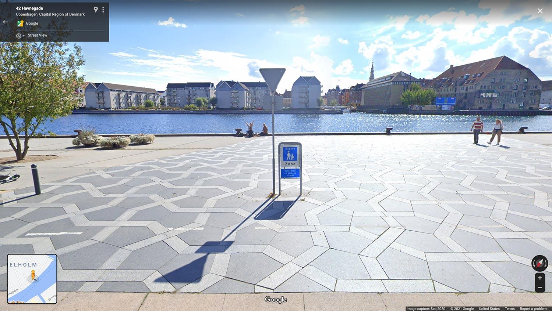 Pentagonal street pavers on Havnepromenade at Cort Adelers Gade in Copenhagen, taken as a screenshot from Google Maps